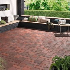Clay pavers require little maintenance, easily coping with the wear and tear that everyday life brings. Create stunning and affordable spaces, from driveways and patios to larger garden landscapes.