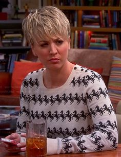 Penny's horse print sweater on The Big Bang Theory.  Outfit Details: http://wornontv.net/45835/ #TheBigBangTheory