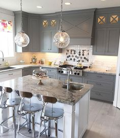 Pretty kitchen!  What is your favorite part?  #homeshow #throwback