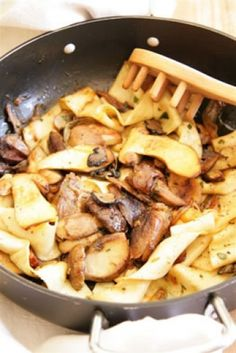 Pappardelle with Slow Cooked Duck, Porcini Mushrooms and Sage Sage Recipes, Pasta Recipes, Porcini Mushrooms, Stuffed Mushrooms, Duck Soup, Duck Confit, Peking Duck, Roast Duck, South African Recipes