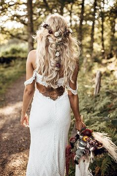 Boho Bridal Hair, Bridal Braids, Tipi Wedding, Wedding Dresses, Wedding Blog, Wedding Ideas, Wedding Updo, Spring Wedding, Wild Flower Wedding