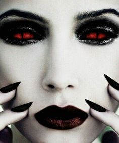 I love the vampire look. Something erotically sexy about it.
