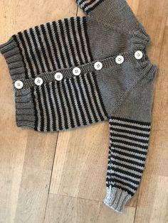 Baby Cardigan Knitting Pattern Free, Baby Boy Knitting Patterns, Baby Patterns, Crochet Baby, Knit Crochet, Fashion Design For Kids, Baby Sweaters, Free Pattern, Anna