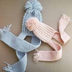 Knit Scarf Beret Construction – Hava Tutan – Willkommen in der Welt der Frauen Knitting For Kids, Knitting For Beginners, Baby Knitting Patterns, Knitting Designs, Crochet Girls, Crochet For Kids, Crochet Baby, Crochet Beret, Knitted Hats