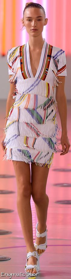Preen by Thornton Bregazzi Spring Summer 2015 Ready-To-Wear.                    Fs2
