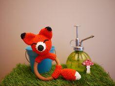 Hochet en bois- Anneau de dentition avec un renard en crochet fait main