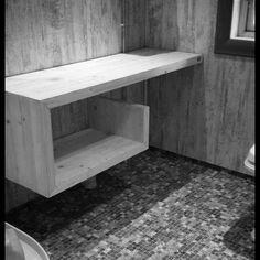 Håndlagd spesialtilpasset baderomsinnredning. #HandmadeInNorway #NorwegianMade #BHagen #interior