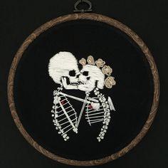 Een persoonlijke favoriet uit mijn Etsy shop https://www.etsy.com/listing/266963887/embroidery-hoop-love-you-to-death