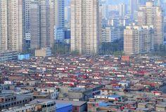 中国山西省に「赤旗村」、幸福願い屋根に掲げる|新華社日本語経済ニュース-XINHUA.JP - 中国の経済情報を中心としたニュースサイト。分析レポートや特集、調査、インタビュー記事なども豊富に配信。