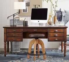 Home Office // Vintage inspired desks add texture, personality and charm to modern workspaces. #vintagedesk