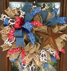 Western Christmas wreath with bandana ribbon Western Wreaths, Country Wreaths, Rustic Wreaths, Burlap Wreaths, Diy Wreath, Mesh Wreaths, Wreath Ideas, Wreath Making, Cowboy Theme