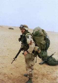 """""""A soldier will always wear 100 lbs. of the most lightweight gear available"""". airborne soldier in iraq during desertstorm dbdu alice colt gasmask airassault Military Guns, Military Personnel, Military History, Afghanistan War, Iraq War, Once A Marine, Classic Army, My War, War Photography"""