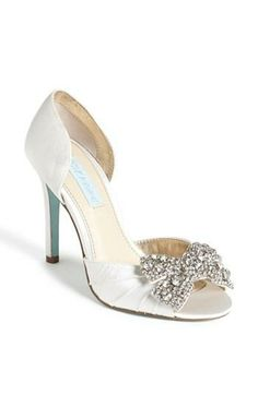 Love the sparkles and the peep toe