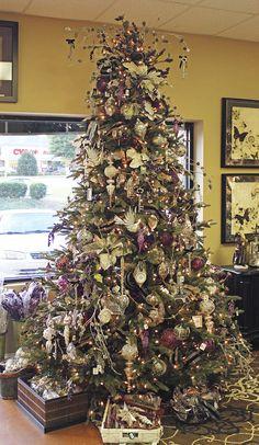 Creative Christmas Trees, Christmas Tabletop, Christmas Mantels, Christmas Tree Themes, Christmas Traditions, All Things Christmas, Christmas Home, Christmas Tree Decorations, Christmas Holidays