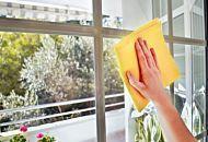 Come pulire i vetri senza detersivi! Ecco 5 idee semplicissime