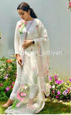 Bridal Suits Punjabi, Designer Punjabi Suits Patiala, Patiala Suit Designs, Churidar Designs, Kurti Designs Party Wear, Pakistani Dress Design, Anarkali, Lehenga, Bridal Chura