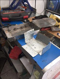Arreglo y hechura de la caja de bateria para proyecto cafe racer en bogotá, Colombia.