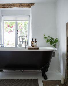 minimal bathroom makeover -Jessica Rose Williams