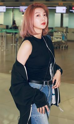 South Korean Girls, Korean Girl Groups, Twice Fanart, Gfriend Sowon, Park Jimin Cute, Airport Style, Airport Fashion, Kpop Girls, Dream Catcher