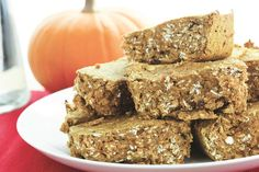 Maple Pumpkin Protein Bars | Try out this tasty vegetarian protein bar recipe, they are a great high-protein snack!