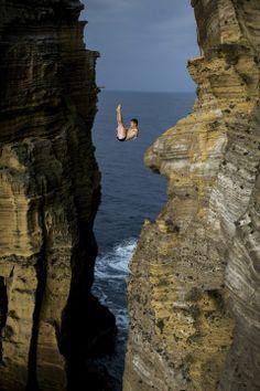 Steven LoBue, ranked #8 cliff diver