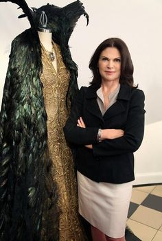 Snow White & the Huntsman - Coleen Atwood, Costume Designer...I like the raven feathered cape with collar!