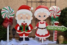 31 The Best Santa Claus Decorations For Your Home Christmas Yard Art, Christmas Yard Decorations, Christmas Wood Crafts, Decorating With Christmas Lights, Merry Christmas And Happy New Year, Christmas Holidays, Christmas Ornaments, Christmas Signs, Christmas 2019