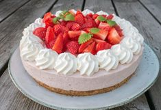all recipes and desserts Health Desserts, No Bake Desserts, Cheesecake Decoration, Cake Recipes, Dessert Recipes, Cake Decorating For Beginners, Breakfast Dessert, Creative Food, Cake Cookies