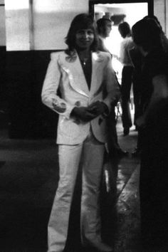 """auroreamethyste: """" (I'm not sure to have seen this pic here so) this outfit *_* """" Emerson Lake & Palmer, Greg Lake, Happy Girls, Music Stuff, Handsome, Outfit, Lakes, Surgery, Brain"""