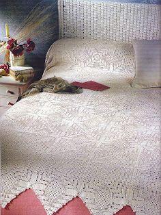 Square motif bedspread with diagrams