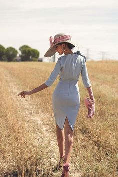 This is beautiful! Horse Race Outfit, Races Outfit, Classy Outfits, Trendy Outfits, Elegant Outfit, Girl With Hat, Classy Women, Cheap Dresses, Fashion Dresses