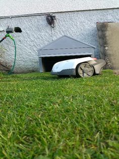 neo mini garage automower rasenm her roboter robotic lawn mower tondeuse robot garage www. Black Bedroom Furniture Sets. Home Design Ideas