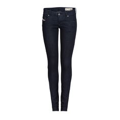I pull on my jeans and I feel all right #DIESEL l #DesignerOutletParndorf