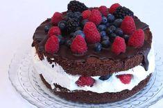 Mit dieser Beerentraum-Torte für Familie Blaschek möchte ich mich für deren unermüdlichen Einsatz Charity-Events zu organisieren bedanken! Schön, dass es so engagierte Unternehmer gibt! Diese Torte ist wie immer LowCarb - sogar ketosetauglich und glutenfrei!