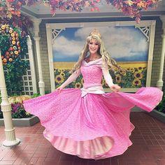 Princess Aurora, Disney Princess, Disney World Characters, Disney Magic, Strong Women, Cosplay, Aurora Sleeping Beauty, Vacation Places, Princesses
