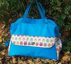 Sac à Langer Hiboux cousu par Emmanuelle - toile nylon bleue et tissu hiboux - patron Sacôtin