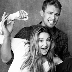 Shailene Woodley GIFs, pictures with her co-stars: Theo James (Divergent), Miles Teller (Spectacular Now), Ansel Elgort (Fault in Our Stars). Tris Et Tobias, Divergent Theo James, Divergent Fandom, Divergent Insurgent Allegiant, Divergent Series, Divergent Funny, Divergent Quotes, Shailene Woodley, Tris E Quatro