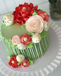 """3,317 Likes, 20 Comments - The White Flower Cake Shoppe (@whiteflowercakeshoppe) on Instagram: """"A lovely pop of color for your Monday-have a wonderful day loves!❤️"""""""