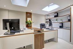 DIRECTORS OFFICE (De REIS LONDON LTD)