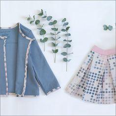 Das passt ° #pleaded #girlsskirt #faltenrock #mädchenrock #rosa #punkte #blau #blue #girlscardigan #sommerjacke #biosweat #biobaumwolle #gots #punctumspattern #organicchildrensclothing #organickidswear #biokindermode #instakidsfashion #supportsmall @punctum_mode  www.mypunctum.com Retro Chic, Bell Sleeves, Bell Sleeve Top, Ballet Skirt, Beautiful, Skirts, Blue, Women, Fashion