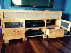 DIY Recycled Pallet #TV #Stand - Media Cabinet!! | 101 Pallets