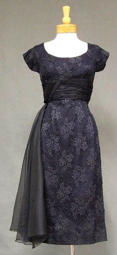 ~1950s cocktail dress in navy blue lace and organdy~