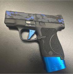 Smith And Wesson Shield, Smith Wesson, Shotguns, Firearms, M&p Shield 9mm, Hunting Guns, Custom Guns, Military Guns, Cool Guns