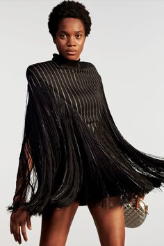 Balmain Resort 2020 Fashion Show - Vogue Live Fashion, Fashion Week, Fashion 2020, Runway Fashion, Fashion Outfits, Women's Fashion, Fashion Clothes, Latest Fashion, Fashion Design