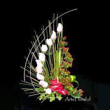 Resultado de imagen para el ritmo en el diseño floral Unique Flower Arrangements, Christmas Floral Arrangements, Unique Flowers, Amazing Flowers, Diy Flowers, Flower Decorations, Deco Floral, Arte Floral, Floral Design
