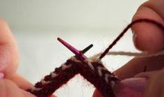 Knitting Mittens Latvian Free Pattern Ideas For 2019 Knitting Machine Patterns, Knitting Stiches, Easy Knitting, Knitting Yarn, Beginner Knitting Projects, Knitting For Beginners, Knitting Tutorials, Mittens Pattern, Knitting Designs