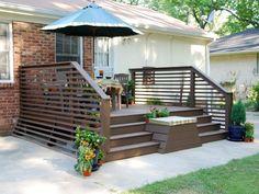 Modern front deck ideas amazing modern porch railing design on deck designs Horizontal Deck Railing, Wood Deck Railing, Deck Balusters, Iron Handrails, Railing Ideas, Outdoor Spaces, Outdoor Living, Outdoor Decor, Outdoor Furniture