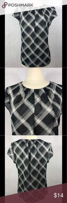 AK Anne Klein Blouse Black and white print, cap sleeve, pleat neck line. Anne Klein Tops Blouses