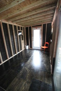 look at those plywood floors! Stained with a black stain. Stained Plywood Floors, Plywood Flooring Diy, Painted Floors, Hardwood Floors, Laminate Flooring, Remodeling Mobile Homes, Home Remodeling, Casas Containers, Home Projects