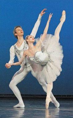 Olga Smirnova and Semyon Chudin Grand Pas Classique